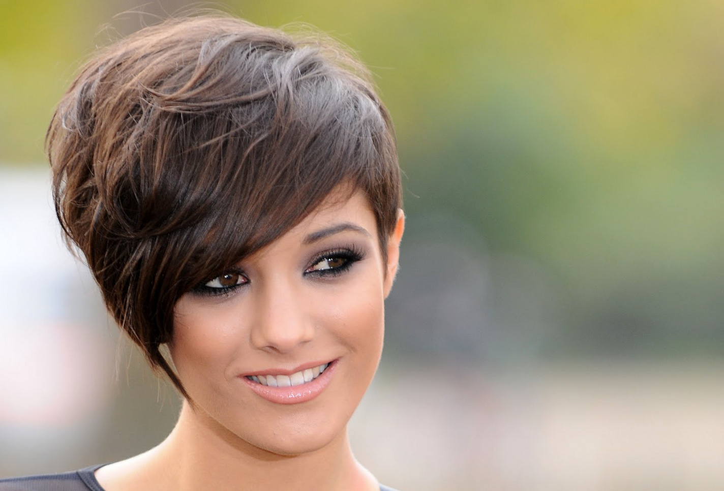 Short Haircuts For Over 40 Years Old — Wedding Academy Creative