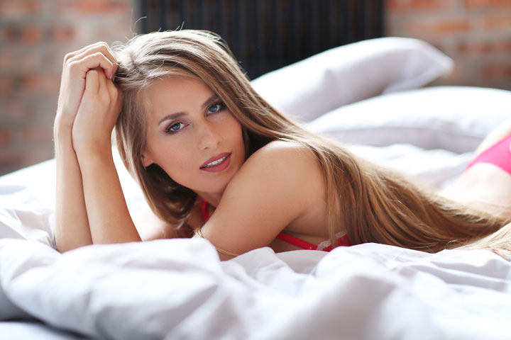 hot girl in bed